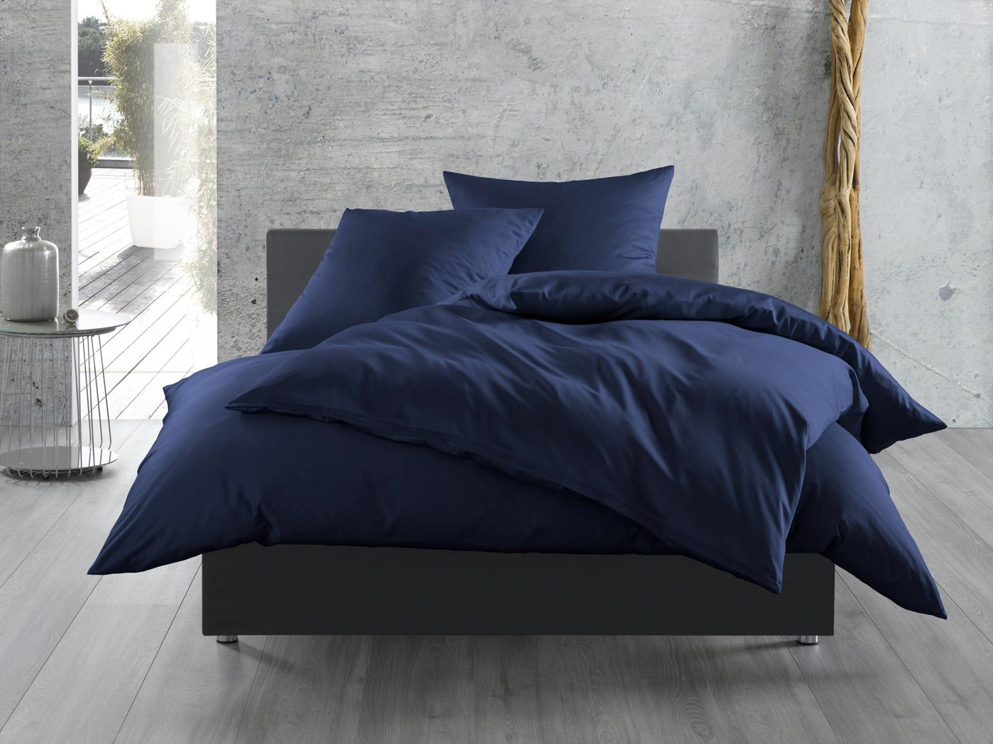 einfarbige bettw sche dunkelblau bettwaesche mit stil. Black Bedroom Furniture Sets. Home Design Ideas