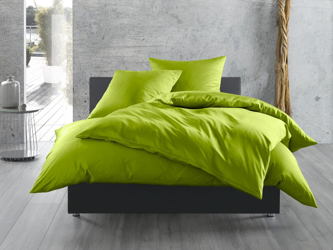 bettw sche einfarbig in hellgr n bettwaesche mit stil. Black Bedroom Furniture Sets. Home Design Ideas