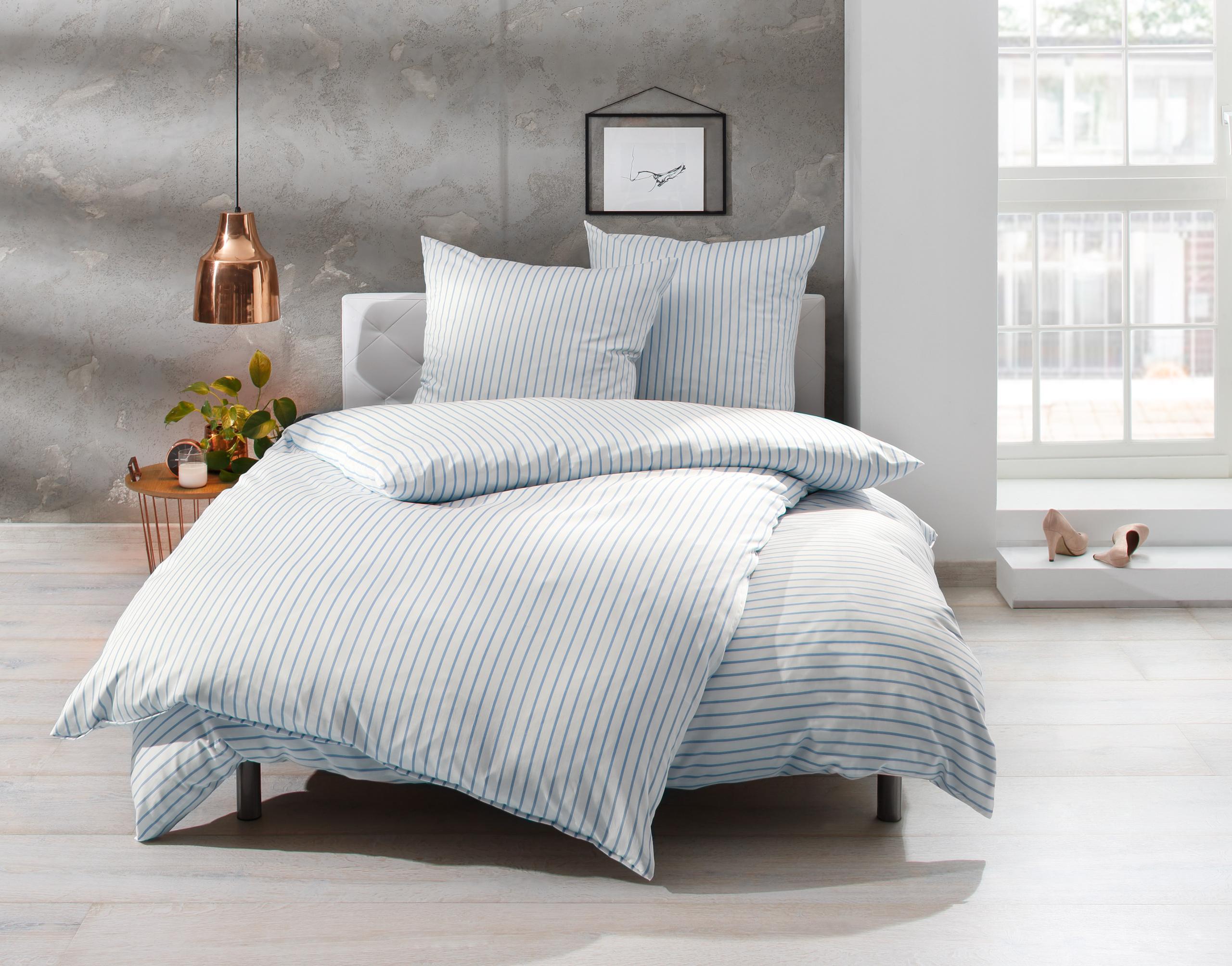 Bettwäsche 200x220 in hellblau/weiß auf   Bettwaesche-mit-Stil